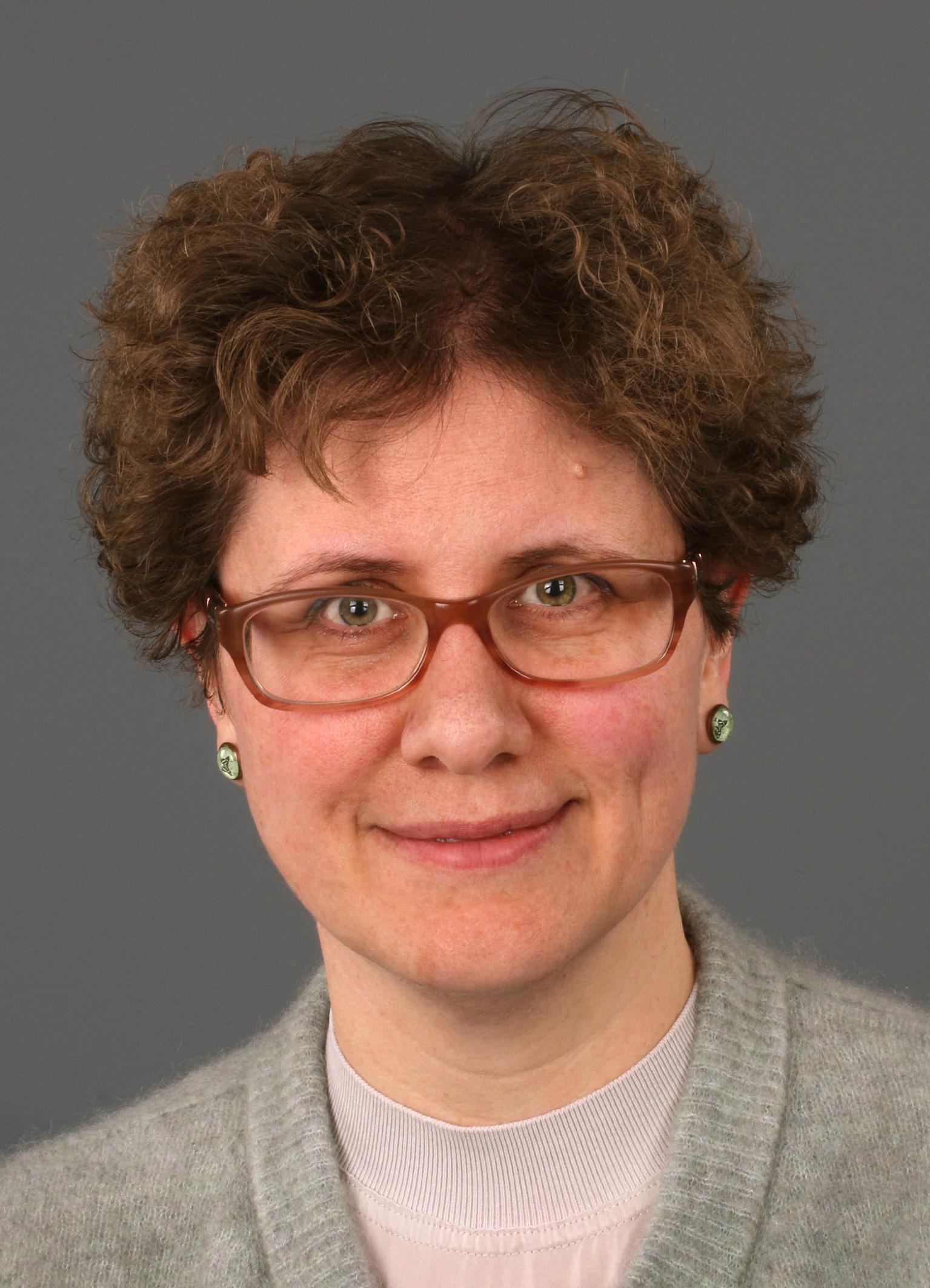 Dr. Maaike Vreeburg