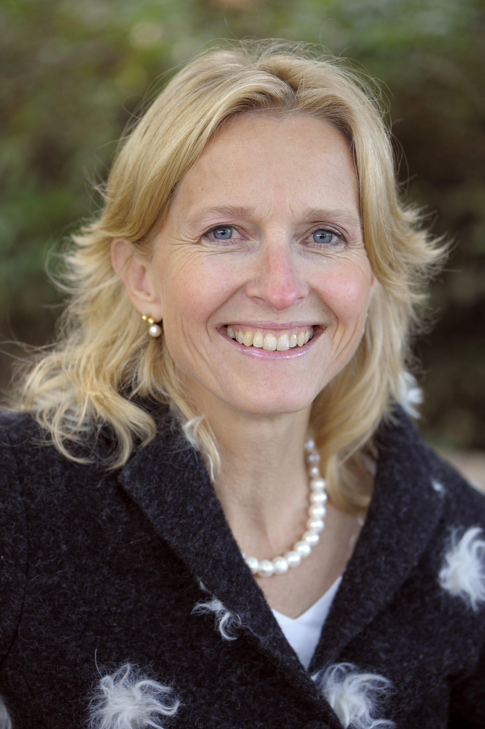 Prof. Dr. Suzanne Pasmans